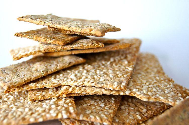6 Best Healthy Crackers